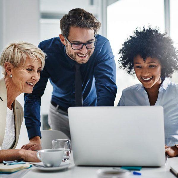 """Get That Sought-After Leadership Job"" Discover your unique offering – showcase your unique brand – sell your unique value proposition – land that job!"